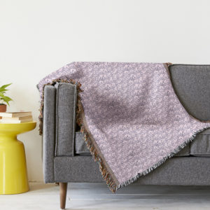 pink-lace-hearts-pattern-blanket-throw
